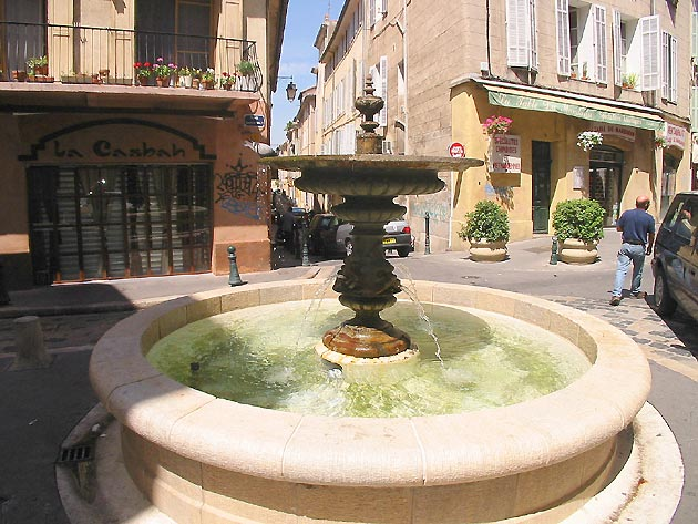 Photo fontaine d 39 aix en provence for Aix cuisine du terroir