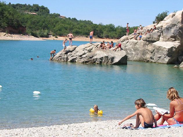 Photo Plage du Lac de Sainte Croix u00e0 Bauduen en Verdon