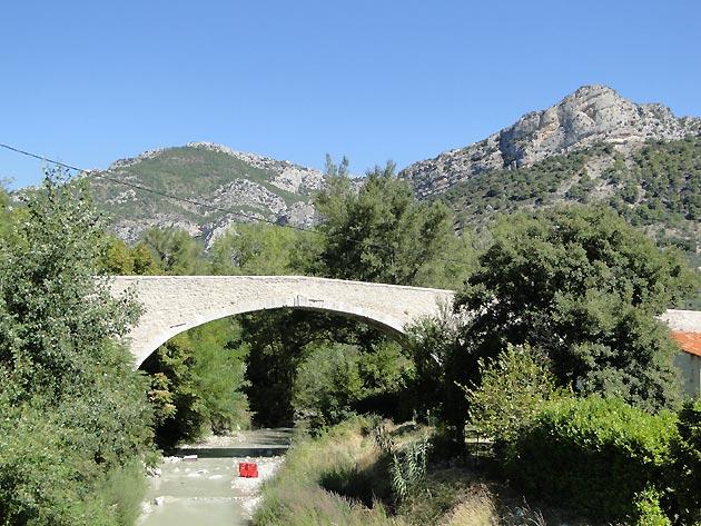 Photo pont romain de buis les baronnies - Office du tourisme buis les baronnies ...