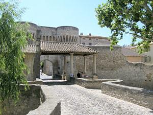 Pernes les fontaines provence vaucluse - Office du tourisme pernes les fontaines ...